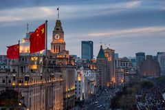 Zonsondergang op de Dijk in Shanghai stock fotografie