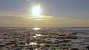 Zonsondergang op de Golf van Oostzee, Riga, Letland stock footage
