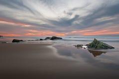 Zonsondergang op de kustlijn van Gr Cotillo Stock Foto