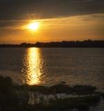 Zonsondergang op de Maumee-Rivier Stock Afbeeldingen