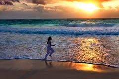 Zonsondergang op de oceaan Stock Afbeelding
