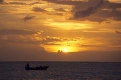 Zonsondergang op de oceaan - Bayahibe - Dominicaanse republiek Stock Afbeeldingen