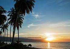 Zonsondergang op de oceaankust Royalty-vrije Stock Afbeelding