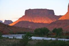 Zonsondergang op de rivier van Colorado, dichtbij moab, Utah Stock Foto