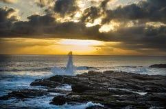 Zonsondergang op de rotsen Stock Fotografie