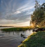 Zonsondergang op de Ruza-rivier Royalty-vrije Stock Fotografie