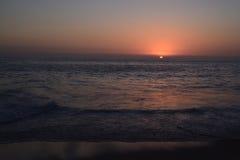 Zonsondergang op de Stille Oceaan dichtbij Cabo San Lucas Stock Afbeelding