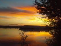 Zonsondergang op de Volga Rivier Stock Foto