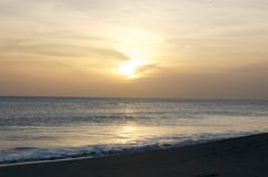 Zonsondergang op de Vreedzame Kust van Nicaragua stock afbeeldingen