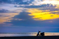 Zonsondergang op de Zwarte Zee, Adler, Sotchi, Rusland Royalty-vrije Stock Fotografie