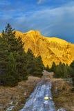 Zonsondergang op een Bergweg stock foto's
