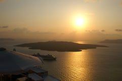 Zonsondergang op een Griekse eilandsantorini stock fotografie