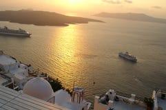 Zonsondergang op een Griekse eilandsantorini royalty-vrije stock foto