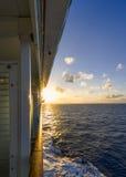 Zonsondergang op een Schip van de Cruise Royalty-vrije Stock Afbeeldingen