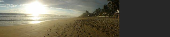 """Zonsondergang op een strand van Acapulco †""""Mexico stock afbeeldingen"""