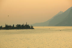 Zonsondergang op Garda-Meer Royalty-vrije Stock Foto