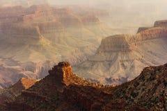 Zonsondergang op Grand Canyon -rotsvormingen Royalty-vrije Stock Afbeeldingen