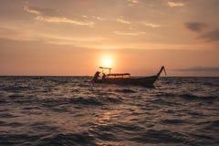 Zonsondergang op het Andaman-overzees royalty-vrije stock afbeelding