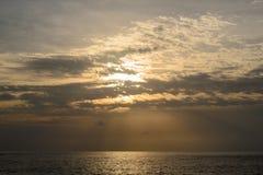 Zonsondergang op het Andaman-Overzees, Kaap Promthep Royalty-vrije Stock Afbeeldingen