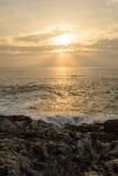 Zonsondergang op het Andaman-Overzees, Kaap Promthep Stock Foto's