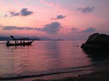Zonsondergang op het eiland stock fotografie