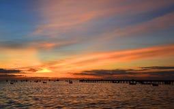 Zonsondergang op het overzees van Thailand Stock Foto's