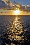 Zonsondergang op het schip stock fotografie