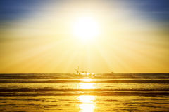 Zonsondergang op het strand, Myanmar Stock Foto