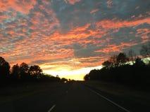 Zonsondergang op Hwy 80 het Oosten van Terrell Texas stock foto