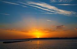 Zonsondergang op Medditerranean-Overzees Royalty-vrije Stock Afbeelding
