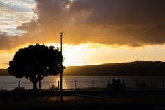Zonsondergang op meer Taupo Royalty-vrije Stock Foto