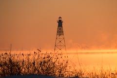 Zonsondergang op meersneeuw en Stoom Stock Fotografie