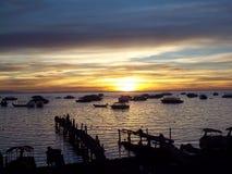 Zonsondergang op Meertiticaca, Bolivië stock afbeeldingen