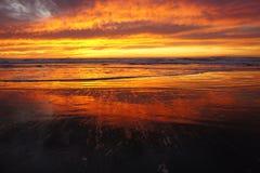 Zonsondergang op OceaanStrand Royalty-vrije Stock Fotografie