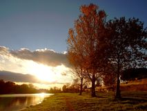 Zonsondergang op rivier Royalty-vrije Stock Foto