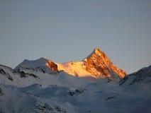 Zonsondergang op Weisshorn, Alpen, Zwitserland Stock Afbeelding