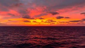Zonsondergang op zee royalty-vrije stock foto's