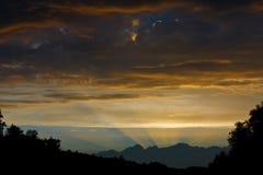 Zonsondergang in oranje tonen Stock Afbeelding