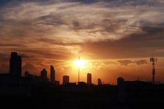 Zonsondergang over Bangkok stock afbeelding