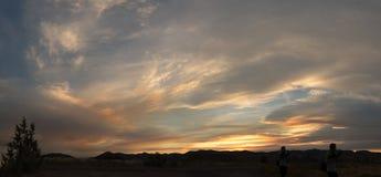 Zonsondergang over bergen Royalty-vrije Stock Foto