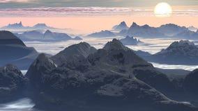 Zonsondergang over bergpieken stock videobeelden