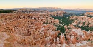 Zonsondergang over Bryce Canyon National Park, UT Royalty-vrije Stock Foto's