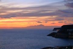 Zonsondergang over Canarische Eilanden, mening van Gran Canaria de vulkaan aan van Tenerife, Gr Teide, Spanje stock fotografie