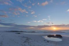 Zonsondergang over de Atlantische Oceaan royalty-vrije stock fotografie