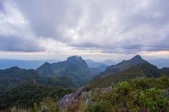 Zonsondergang over de bergen Royalty-vrije Stock Afbeelding