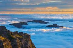 Zonsondergang over de bergen, Madera, Portugal Royalty-vrije Stock Foto