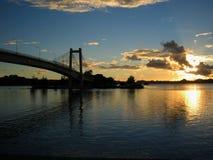 Zonsondergang over de brug royalty-vrije stock foto