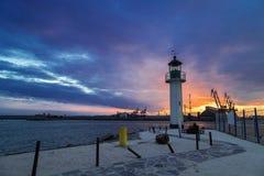 Zonsondergang over de haven van Burgas Royalty-vrije Stock Afbeeldingen