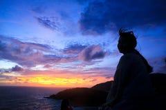 Zonsondergang over de Kaap van Prom Thep in Thailand royalty-vrije stock foto