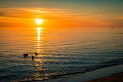Zonsondergang over de oceaan, Zuid-Australië Royalty-vrije Stock Foto's